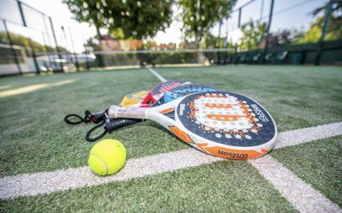 Découvrez le padel, un étonnant cocktail de tennis et de squash